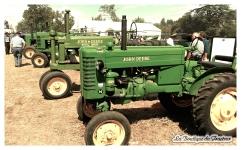 Ici toute une collection de tracteurs John Deere !