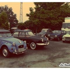 Nous avons croisé des voitures anciennes encore en parfait état.