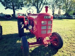 Le seul et unique tracteur de le marque FAHR exposé. FARH type D30L.