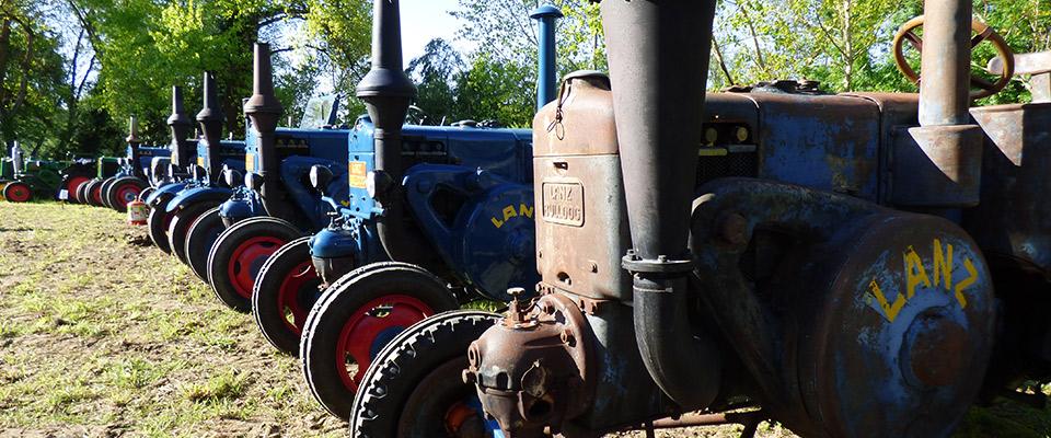 Concentration de vieux tracteurs foires artisanales - Histoire du tracteur ...